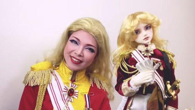 彩羽真矢とオスカル人形