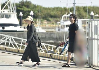 山田孝之と嫁の旅行写真